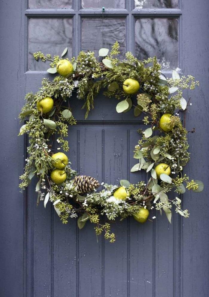 pommes sur la couronne - décoration de Noël
