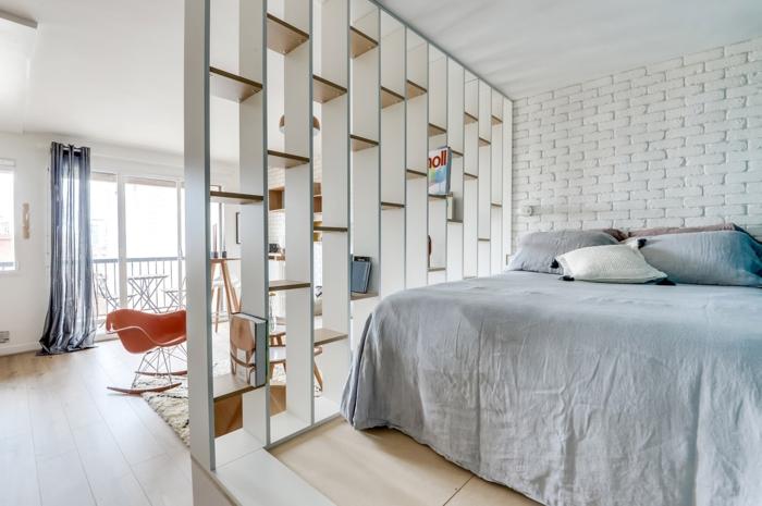 étagère séparateur de pièce chambre à coucher