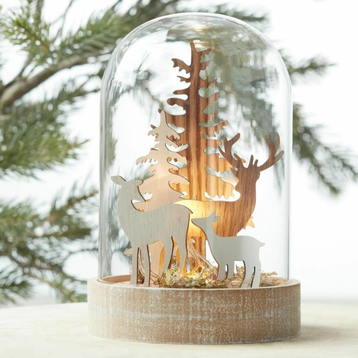 accessoires de noël sous cloches en verre