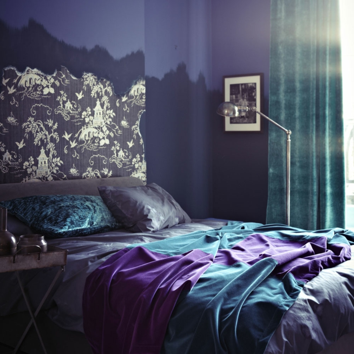 chambre en linge de lit ultra violet