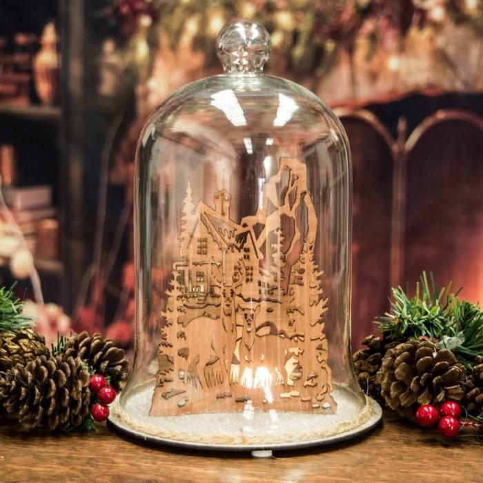 déco festive avec cloches en verre