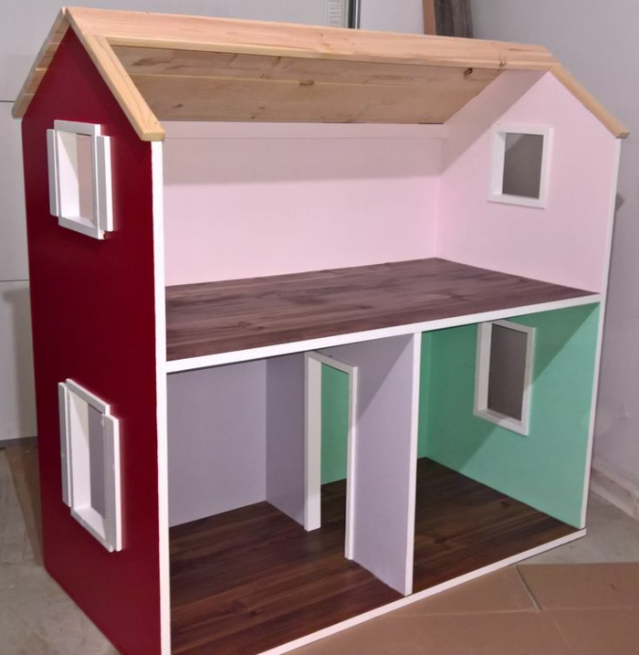 diy maison de poupée en bois peinte