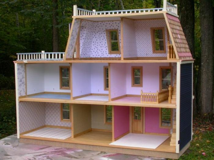jolie maison de poupée en bois huit pièces