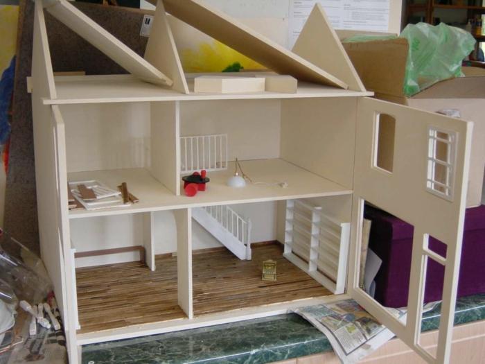 maison de poupée en bois design moderne