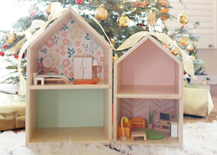 maison de poupée en bois design simple