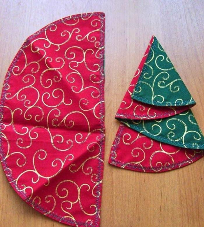 pliage de serviette pour noël deux couleurs