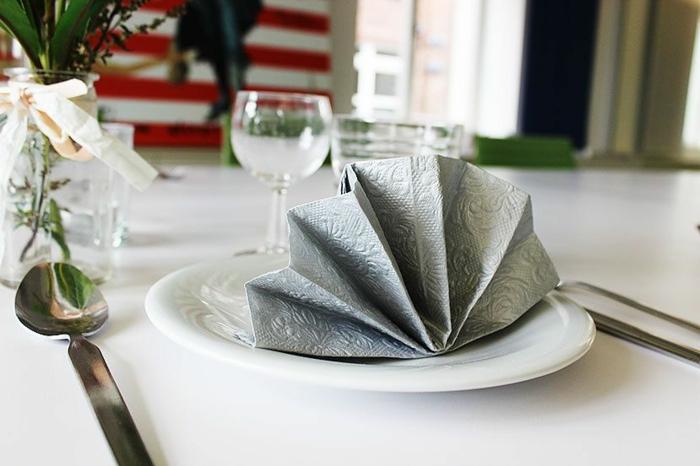 pliage de serviette pour noël serviette en papier