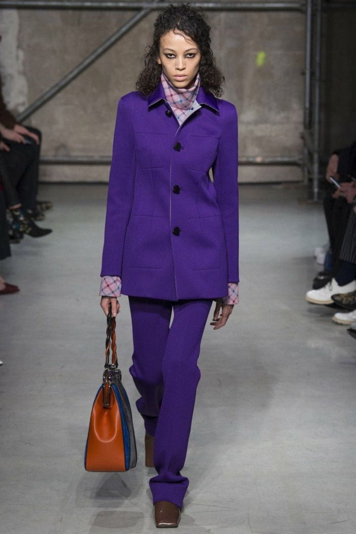 vêtements en ultra violet