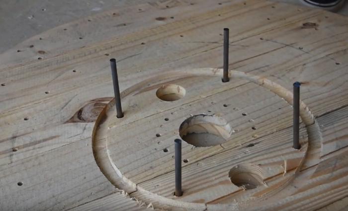 étapes de table en touret bois