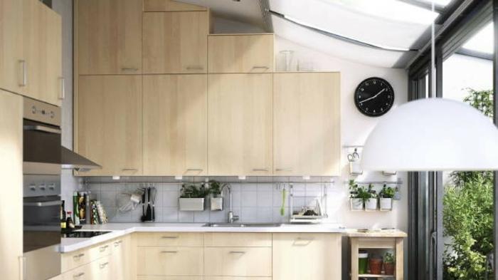 aménagement petite cuisine placards en hauteur