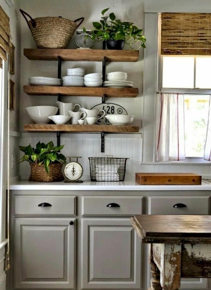 aménagement petite cuisine rangements muraux