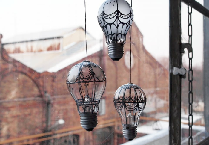 ampoules électriques déco fenêtre diy