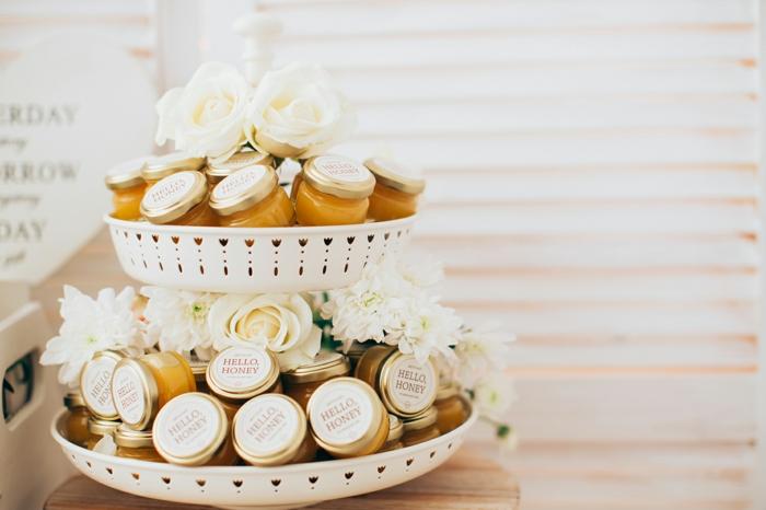 cadeau invités mariage idée avec du miel