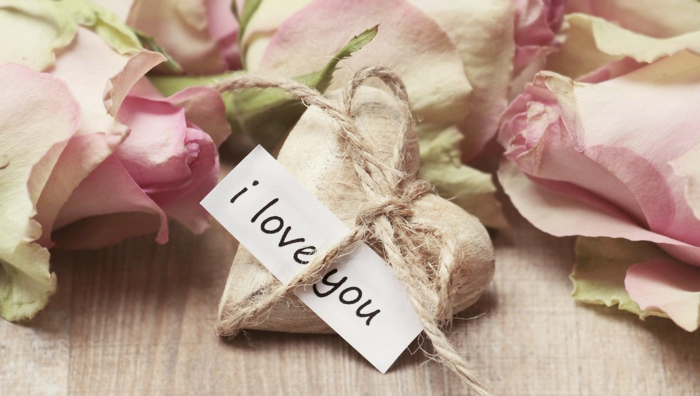 id es romantiques de cadeaux saint valentin pour c l brer l amour. Black Bedroom Furniture Sets. Home Design Ideas