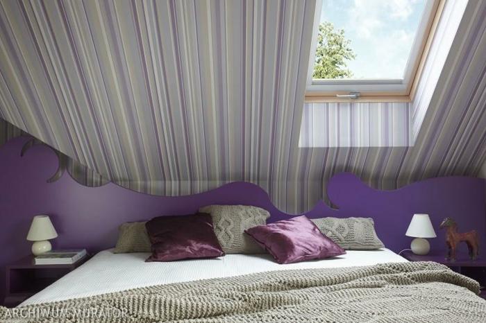 chambre mansardée accents en lilas