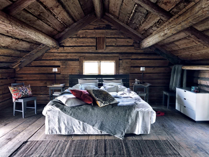 chambre mansardée bois brut