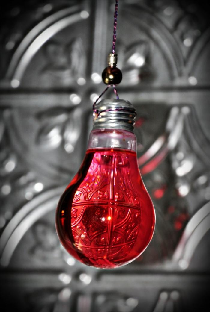 création déco ampoules électriques