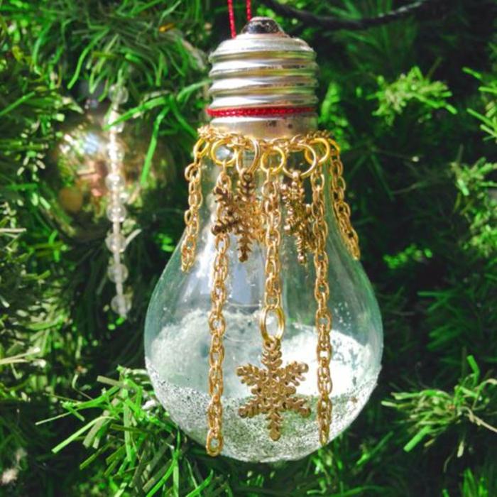 déco noël à fabriquer vous-même ampoules électriques
