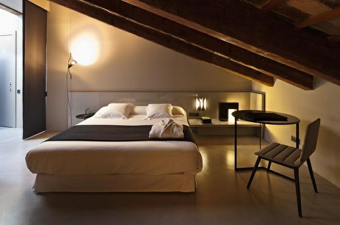idée chambre mansardée romantique