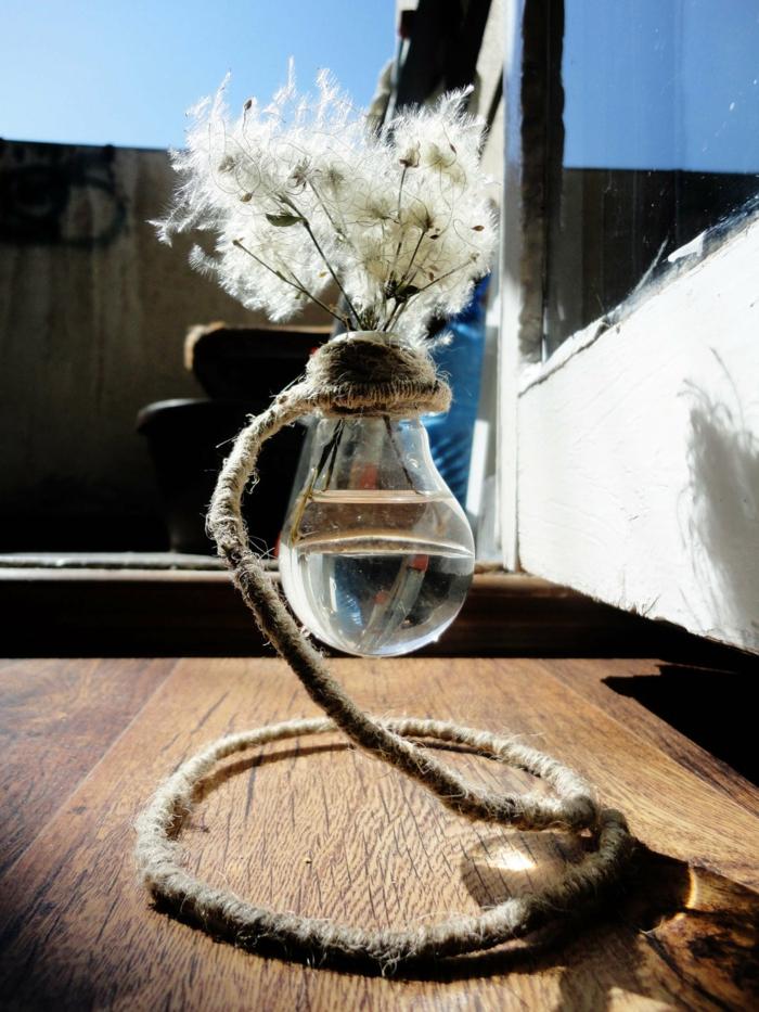idée créative recyclage ampoules électriques