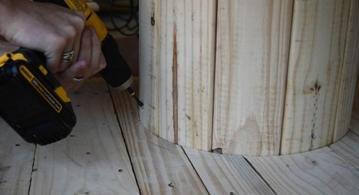 idée diy de table en touret bois