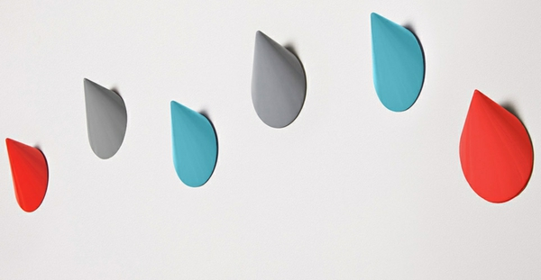 idée patère design plastique colorée