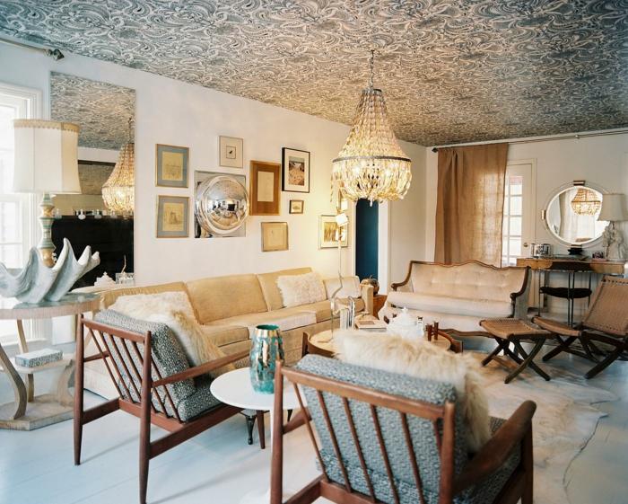intérieur cosy salon papier peint plafond