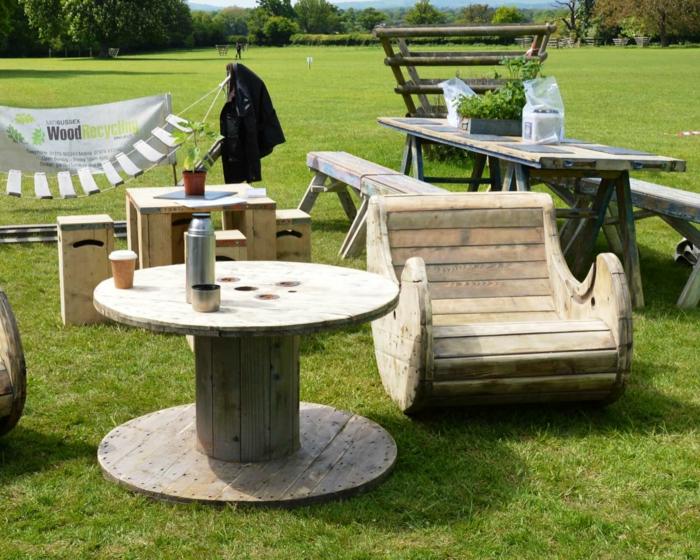 meubles extérieur fabriqués en touret bois