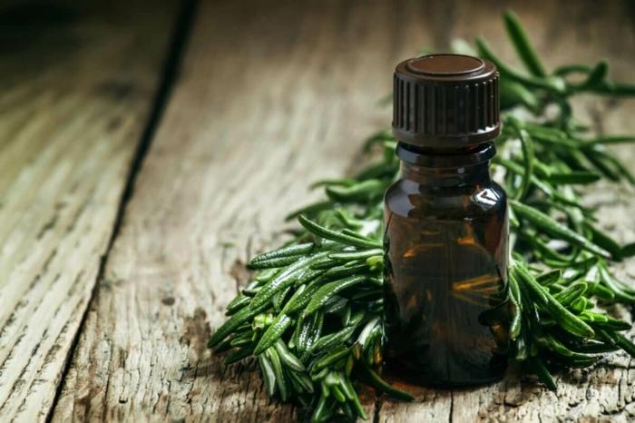 nettoyant naturel huile arbre à thé
