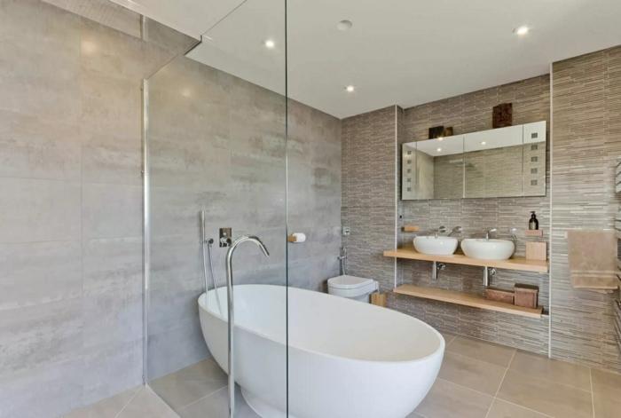 Diy un nettoyant naturel pour faire briller la salle de bains for Nettoyer salle de bain vinaigre bicarbonate