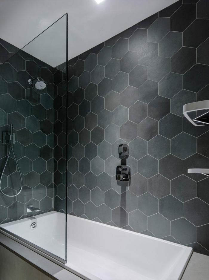 nettoyant naturel pour une salle de bains propre
