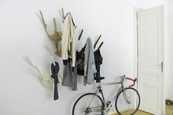 patère design chaise intégrée au mur
