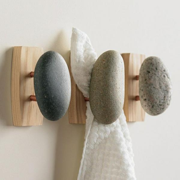 patère design pierre naturelle et bois