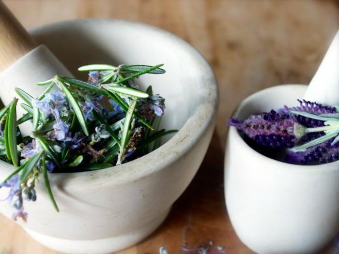 préparation essence de lavande fleurs