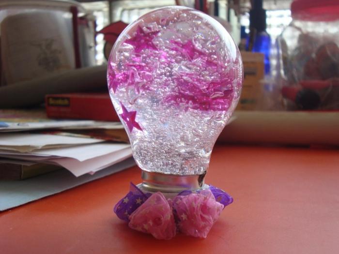 recyclage d'ampoules électriques idée
