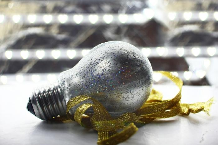 recyclage d'ampoules électriques ornement noël