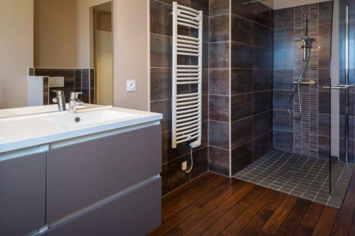 salle de bains carrelage douche à l'italienne