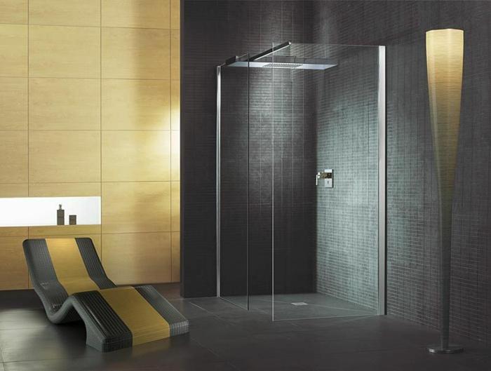 salle de bains noir et jaune douche à l'italienne