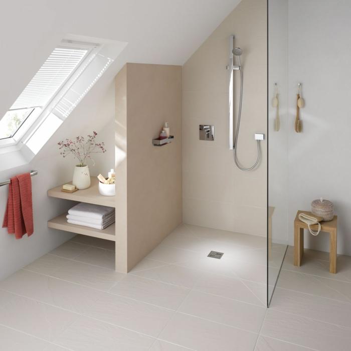 salle de bains sous combles douche à l'italienne