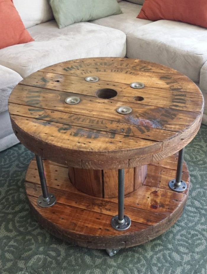 table pour le salon réalisée de touret bois