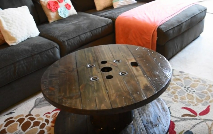 table pratique de touret bois