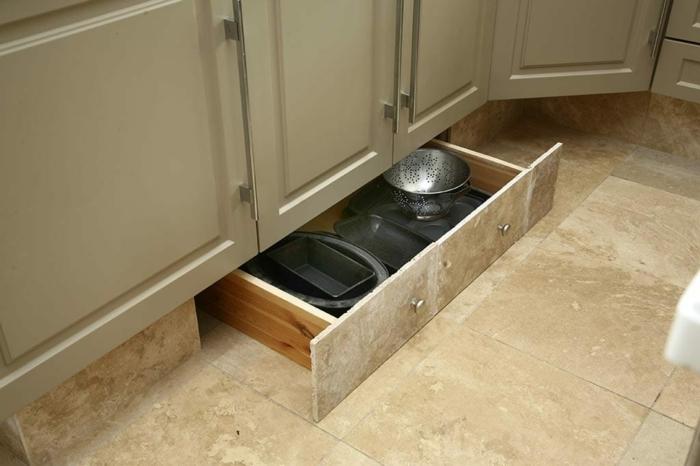 am nagement petite cuisine id es pour gagner de la place. Black Bedroom Furniture Sets. Home Design Ideas