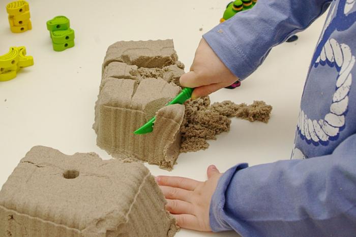 activité enfant sable magique