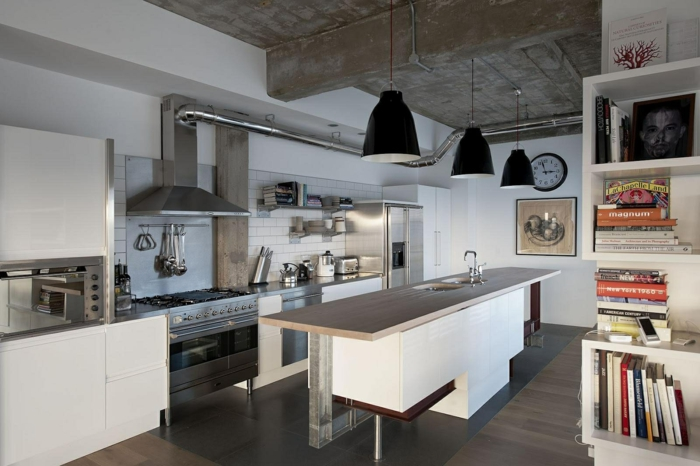 cuisine style industriel en blanc et inox grands lampadaires