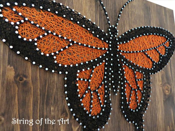 diy déco papillon tableau fil tendu