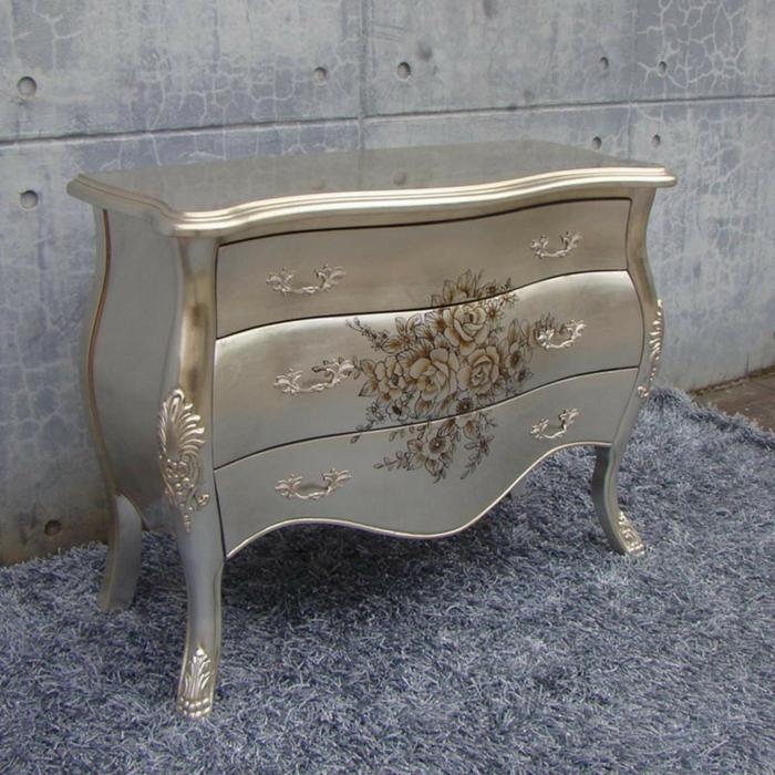 idée déco avec des meubles relookés avec une peinture effet métal