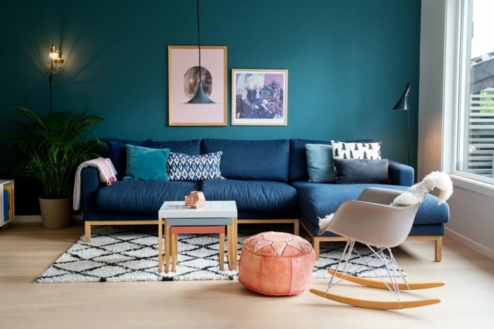intérieur moderne déco avec une table gigogne