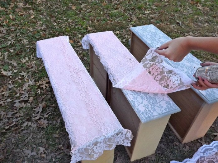 meubles relookés avec dentelle