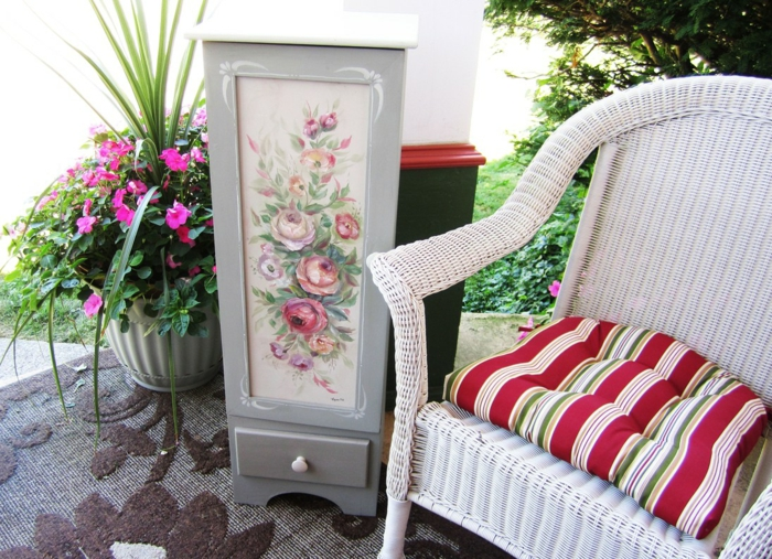meubles relookés ou comment trnsformer les vieux meubles