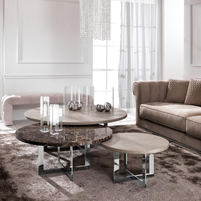table gigogne pour mieux aménager l'espace dans le salon